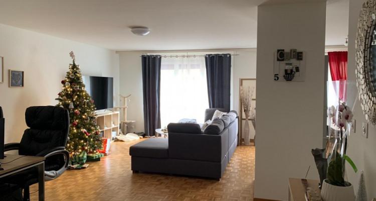 Magnifique 2,5p / 1 chambre / Idéalement situé à Vevey - Gare et lac image 3