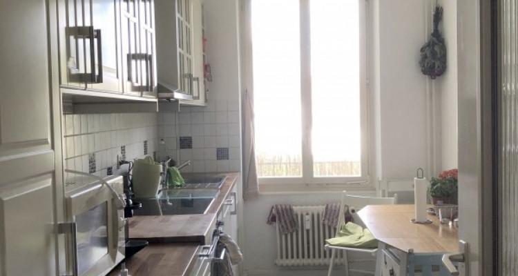 Möbliertes WG-Zimmer mit Balkon im 2. OG image 3