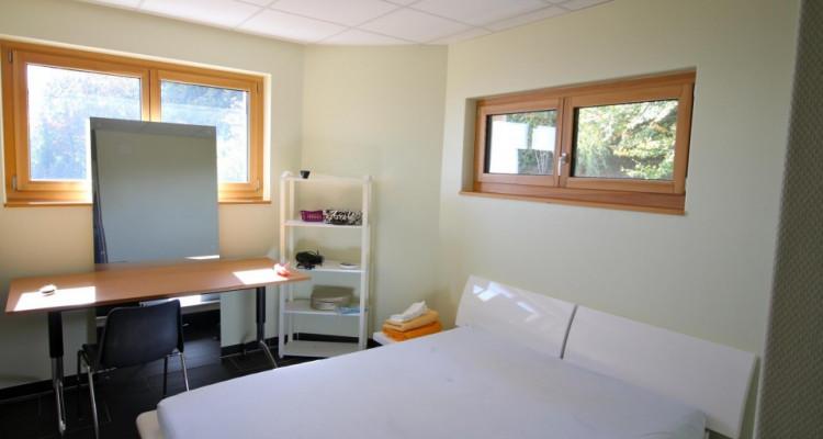 Centre de soins avec vue imprenable sur le Lac Léman et les Alpes image 9