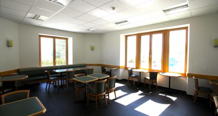 Centre de soins avec vue imprenable sur le Lac Léman et les Alpes image 13