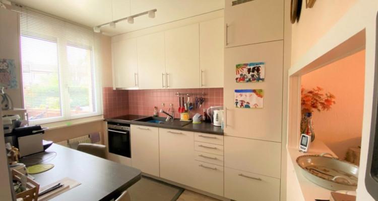 Belle maison jumelée de 6P à Bernex. image 2