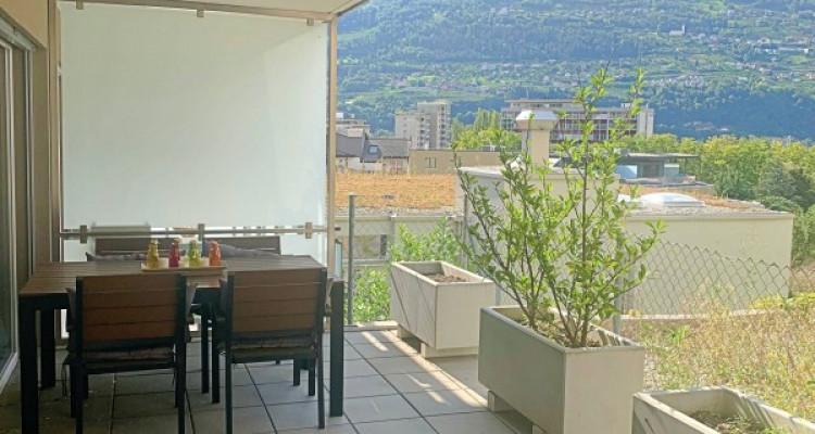 Magnifique appart 3,5 p / 2 chambres / 2 SDB / balcon avec vue image 5