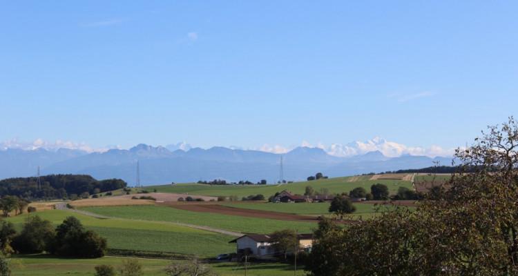2,5 pièces en duplex et en attique avec vue sur le Mont-Blanc  image 1