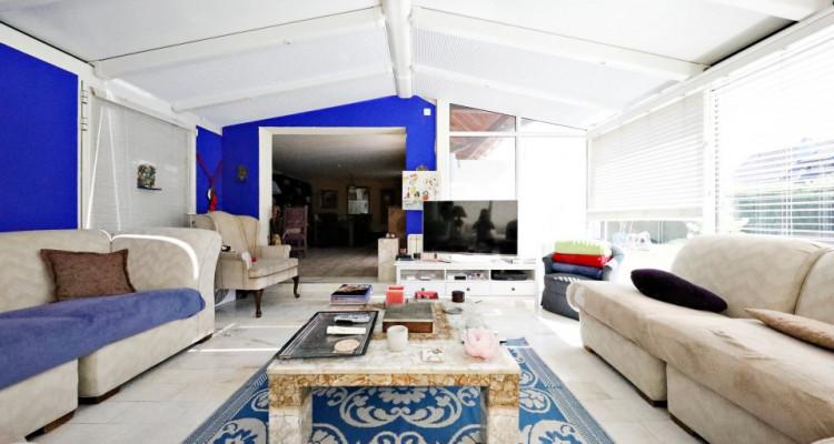 Splendide villa mitoyenne / 4 chambres / 3 SDB / Jardin / Piscine image 3