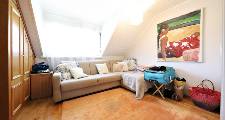 Splendide villa mitoyenne / 4 chambres / 3 SDB / Jardin / Piscine image 9