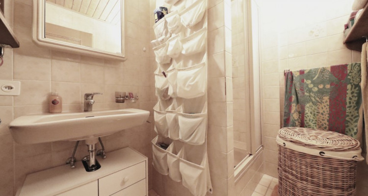 Splendide villa mitoyenne / 4 chambres / 3 SDB / Jardin / Piscine image 11