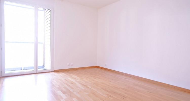 Magnifique appartement de 4,5 pièces / 3 chambres / 1 balcon  image 3