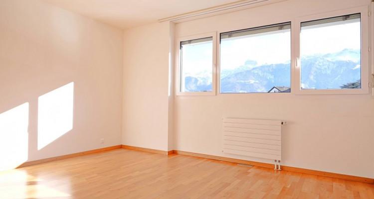 Magnifique appartement de 4,5 pièces / 3 chambres / 1 balcon  image 4