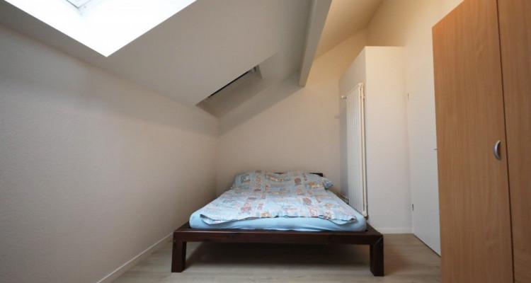 Magnifique 2.5p duplex // 1 chambre // 2 SDB // Grand séjour image 2