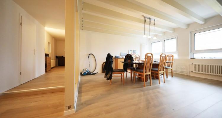 Magnifique 2.5p duplex // 1 chambre // 2 SDB // Grand séjour image 3