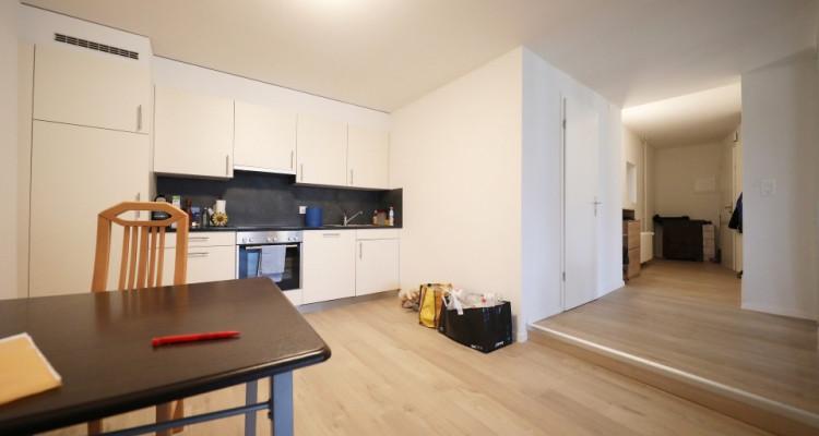 Magnifique 2.5p duplex // 1 chambre // 2 SDB // Grand séjour image 4