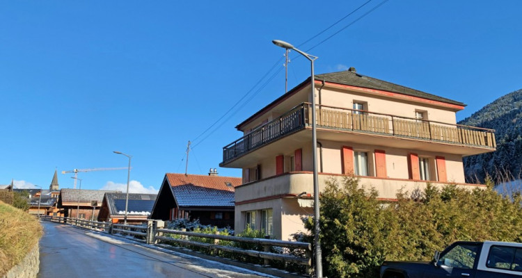 FOTI IMMO - Maison de 5,5 pièces avec potentiel, à rénover. image 1