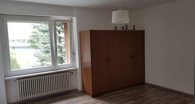 Magnifique appartement 3.5p // 2 chambres // Balcon - Vue montagnes image 1