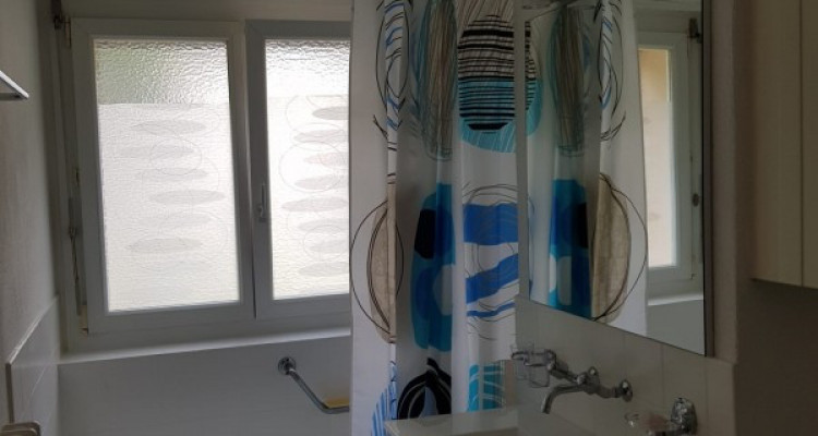 Magnifique appartement 3.5p // 2 chambres // Balcon - Vue montagnes image 3