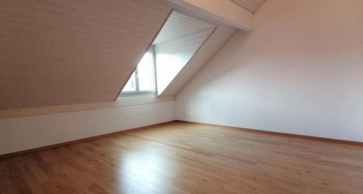 À louer attique de 4,5 pièces à Aire-la-Ville. image 5