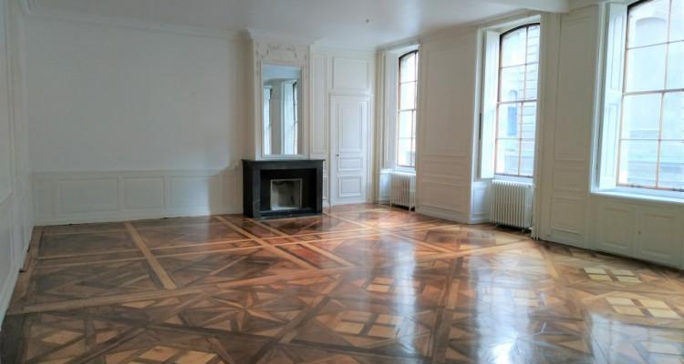 Somptueux appartement de 160 M2 au cœur de la veille ville image 2