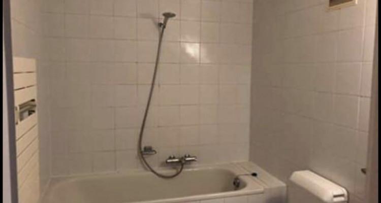 Bel appartement de 2 pièces situé à Plainpalais. image 2