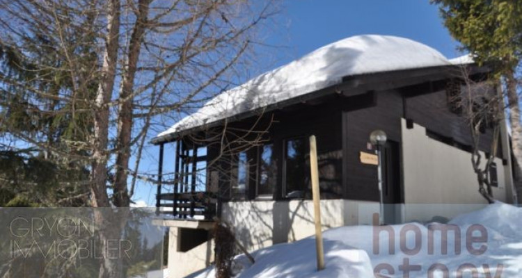 Home Story propose un joli chalet de 7 pièces magnifique vue, sur la piste de ski. image 1