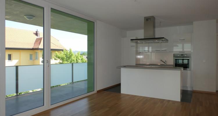 Lumineux et bel appartement 3.5 pces grand balcon à Lussy - FR image 2