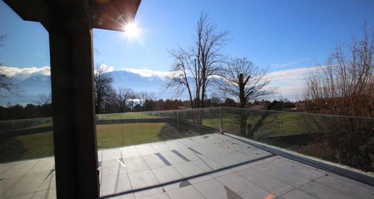 Villa contemporaine neuve dans un quartier prisé avec vue sur Lac image 2