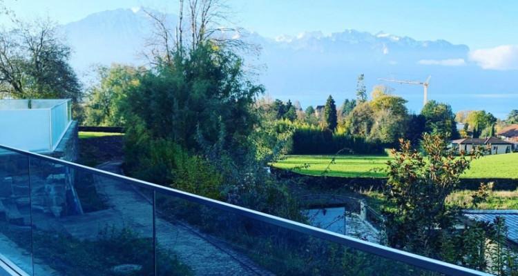 Villa contemporaine neuve dans un quartier prisé avec vue sur Lac image 5