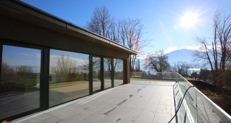 Villa contemporaine neuve dans un quartier prisé avec vue sur Lac image 8