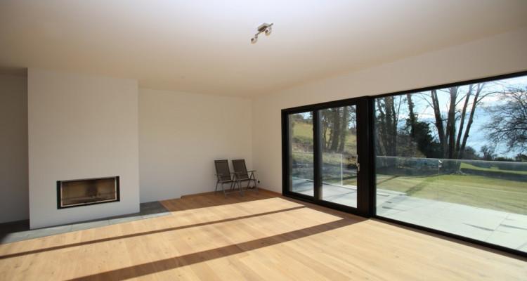 Villa contemporaine neuve dans un quartier prisé avec vue sur Lac image 11