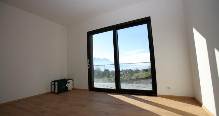 Villa contemporaine neuve dans un quartier prisé avec vue sur Lac image 12