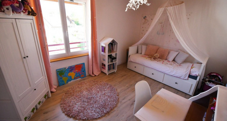 Bel appartement lumineux de 5 pièces avec balcon et mezzanine image 10