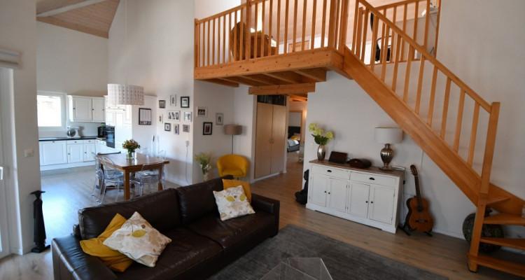 Bel appartement lumineux de 5 pièces avec balcon et mezzanine image 2
