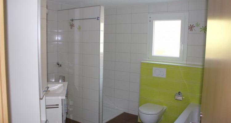 Appartement boisé plein de cachet avec garage image 5