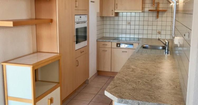 Appartement en attique en pleine campagne 4.5 pièces image 2