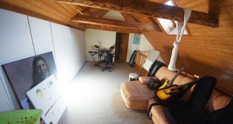 Beau Duplex lumineux de 4.5 pièces avec galerie et galetas image 2