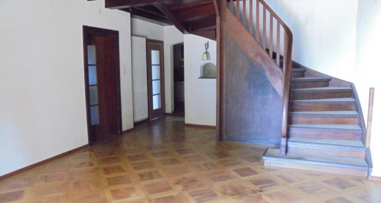 Belle villa de 10 pièces à rénover image 3