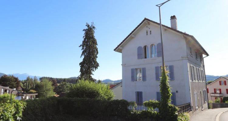 Immeuble de quatre appartements image 1