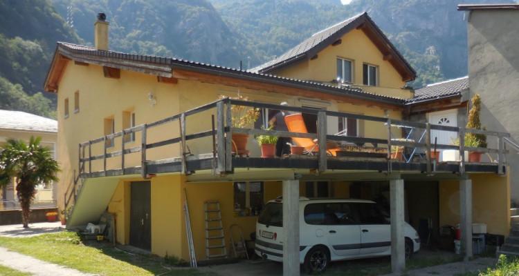 Maison villageoise 6 appts, grange et terrain constructible en sus image 1