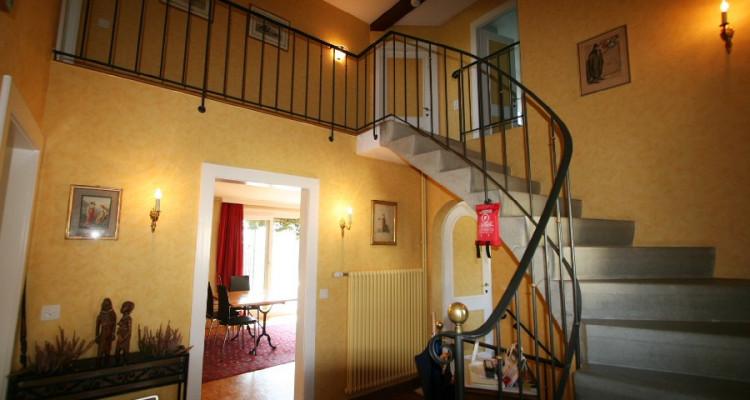 villa + appartement indépendant, dans son écrin de verdure avec calme, soleil et vue. image 8