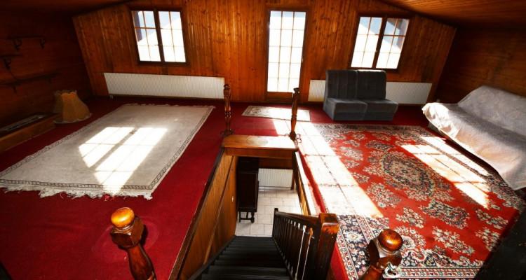 Chalet sympa avec magnifique vue, deux terrasses, un gran séjour avec cheminée image 8
