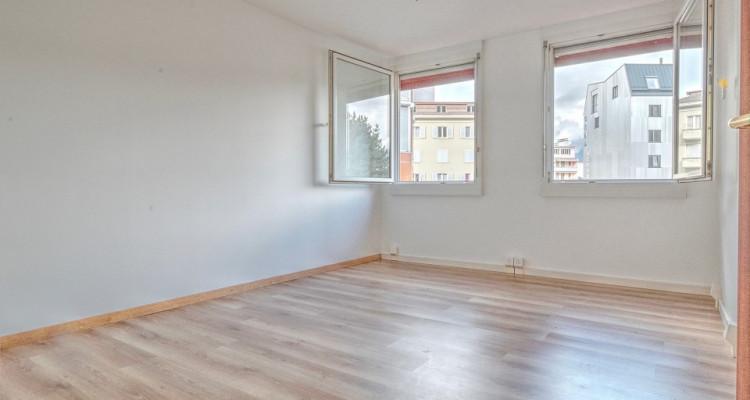 FOTI IMMO - Bel appartement de 5 pièces au coeur de la ville. image 5