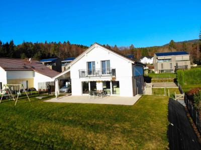 Grande villa individuelle familiale de 2010 avec vue lac et montagne image 1