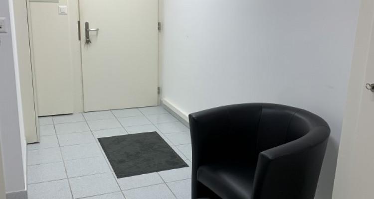 Spacieux bureaux bien situés au centre ville de Martigny image 6