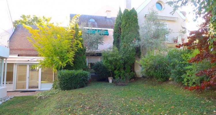Maison contiguë de 6 pièces à rénover image 1