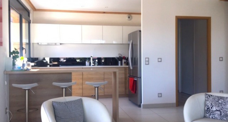 Top floor family apartment with 4 bedrooms, 5min from Geneva image 3