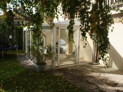 Magnifique fermée rénovée en deux logements  image 1