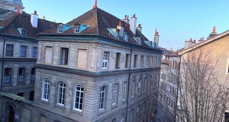 Appartement 3 pièces au centre de Vieille Ville à Genève image 2