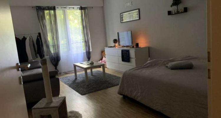 Beau et grand studio situé à Florissant.  image 4