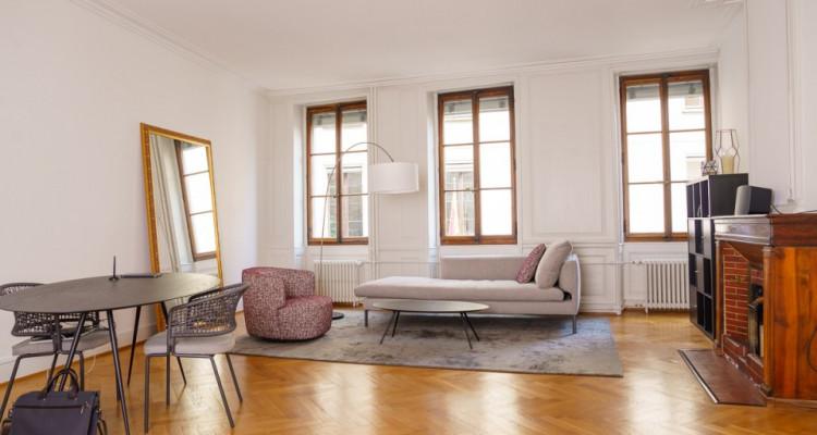 Très bel appartement 3pcs de 80m2 en vieille ville image 1