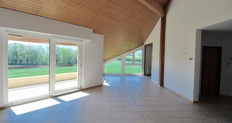 Magnifique attique de 5,5 pièces dans un quartier paisible de Duillier  image 2