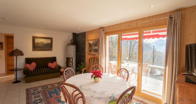 Gryon Immo vous propose un charmant chalet de 8 pièces dans un environnement très calme, magnifique vue sur les montagnes image 8