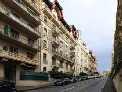 Appartement de 135m2 au rez-de-chaussée avec jardin image 1